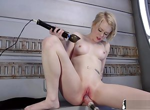 Hot fair-haired gadget sweeping banged