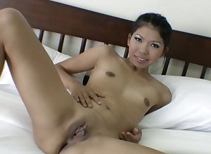 Thai unreserved sucking blarney with an increment of gets fingered