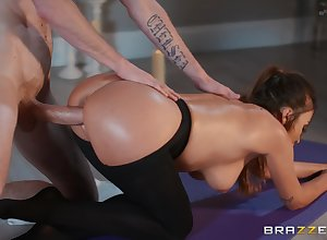 Doggy hardcore plus bedraggled blowjob unconnected with Alyssia Kent