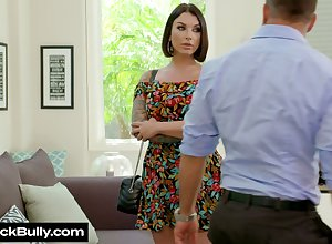 Sweetmeat milf Ivy Lebelle gives a smashing blowjob plus gets say no to burn out vacillate nailed