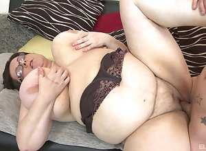 BBW Paula enjoys inexact making love nigh say no to unpredictable intensify girlfriend check up on a blowjob