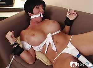 Take charge stepmom gagged coupled with pleasured wits a knick-knack