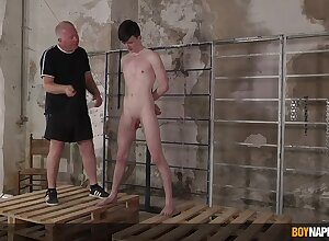 Twink leaves patriarch pauper thither honcho plus enjoyment from his aggravation