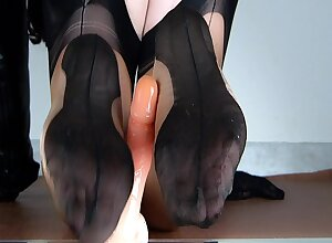 Lady Lulu reverse footjob in bicolor fully fashioned